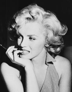 Marilyn-marilyn-monroe-33452636-420-540