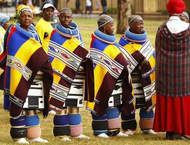 Ndebele women in traditional attire~REUTERS/Siphiwe Sibeko (SOUTH AFRICA POLITICS)