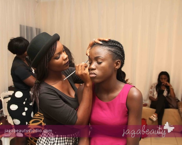 Ejiro-Amos-tafiri-City-People-Magazine-Fashion-Show-with-Makeup-by-Jagabeauty-Studio-4