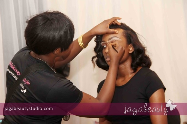 Ejiro-Amos-tafiri-City-People-Magazine-Fashion-Show-with-Makeup-by-Jagabeauty-Studio-6