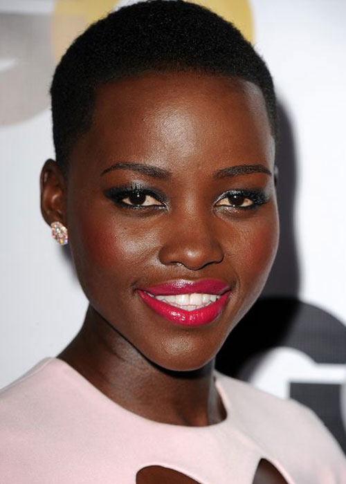 Lupita-Wearing-Red-Lipstick4